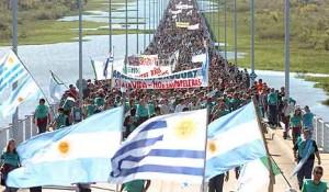Gualeguaychú: quieren tapar el sol con un dedo