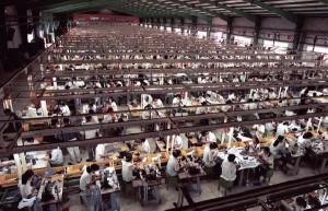 Apple, un monopolio que en pos de más ganancias, envenena a los trabajadores