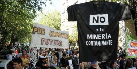 ¡¡El agua de Mendoza no se negocia!!