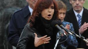 Las ínfulas de grandeza de la presidenta Cristina Kirchner chocan y se desbaratan contra las luchas del pueblo