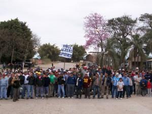 """Obreros de """"El Tabacal"""" van por un 48% de aumento salarial"""