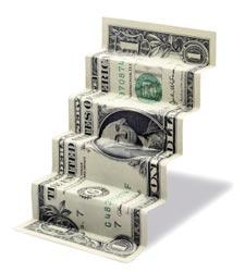 El objetivo del dólar alto es la baja del salario