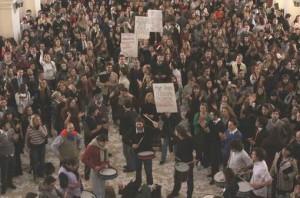 Cientos de trabajadores tomaron el Palacio de Justicia