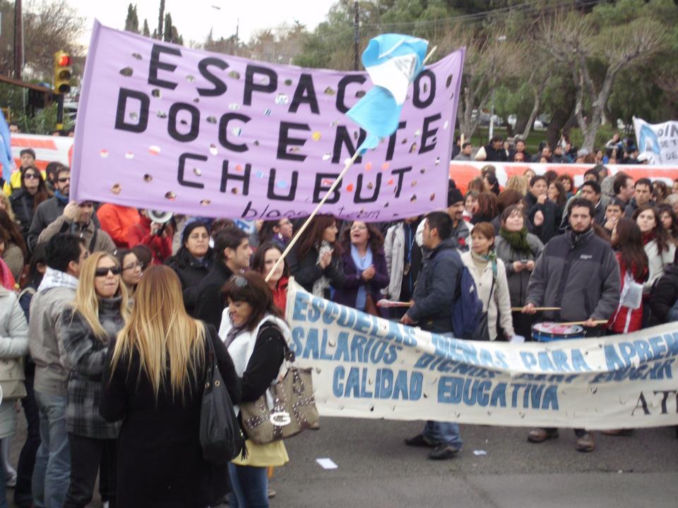 Docentes de Chubut: 45 días de paro donde la autoconvocatoria se apodera de la palabra y la acción