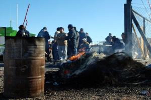 """Chubut: gerencias sindicales, gobierno provincial y nacional y empresas, intentan """"suavizar"""" la lucha de clases por decreto"""
