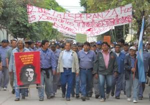 Jujuy, Ingenio La Esperanza: obreros toman una torre a 80 metros altura