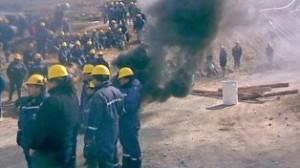 Mineros del yacimiento San José, ponen en jaque a Minera Santa Cruz