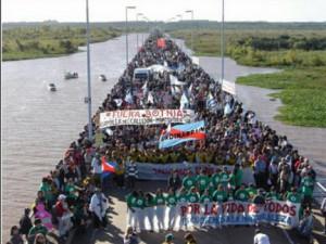 Gualeguaychú: «No a las papeleras. Sí a la vida»