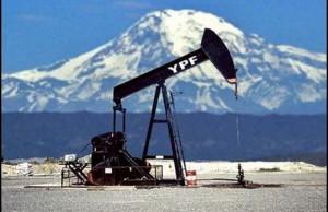 YPF y la soberanía energética: una fantochada del gobierno al servicio de los monopolios