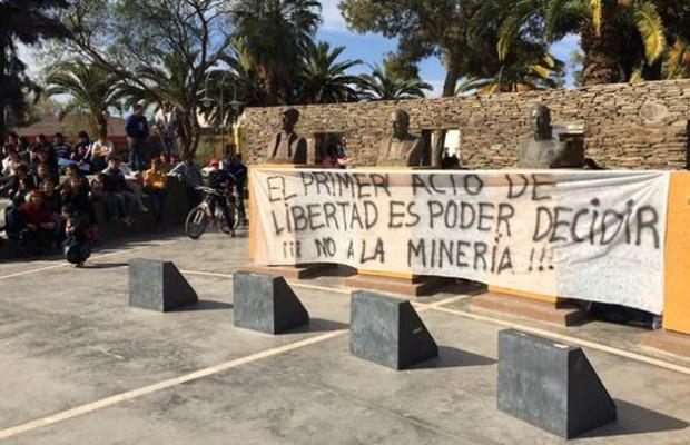 San Juan: Barrick sigue envenenándonos