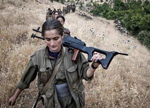 El pueblo kurdo combate a los mercenarios del ISIS