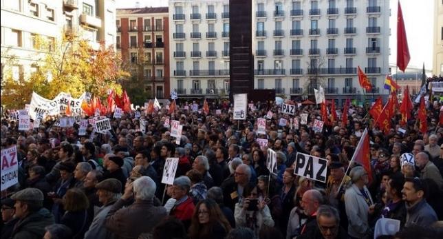 """Los pueblos dicen no a la guerra: """"No en nuestro nombre"""""""