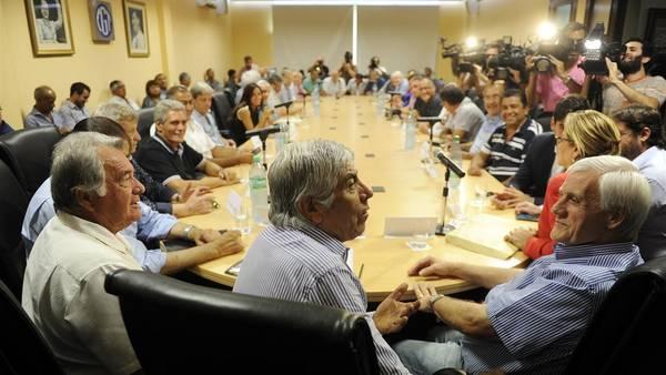 """La CGT dividida para implementar la """"desmovilización"""""""