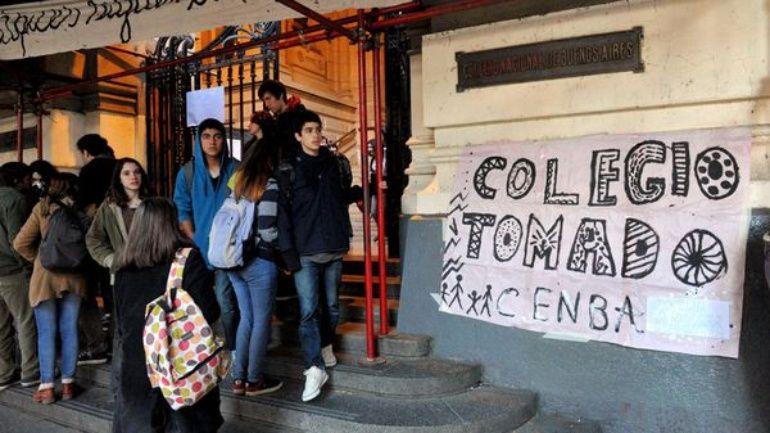 La crisis educativa y la rebeldía de nuestro pueblo