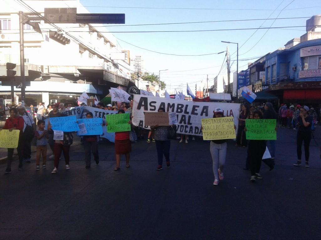 Movilización en Lomas de Zamora (Bs. As.) contra la reforma laboral y los tarifazos