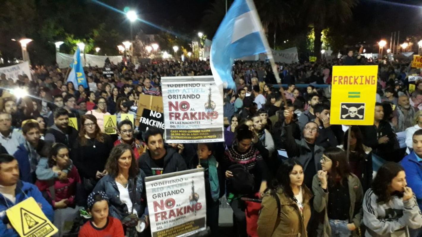 """Mendoza: el fracking quebró la """"paz social""""…"""