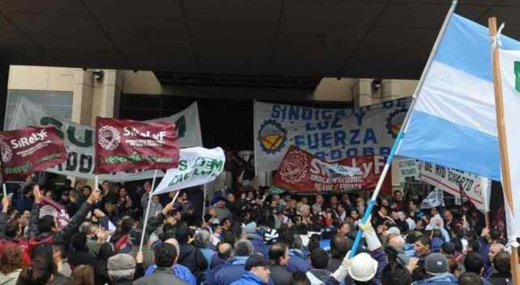 Para ganarle a los monopolios y sus gobiernos, el movimiento de masas debe ser protagonista