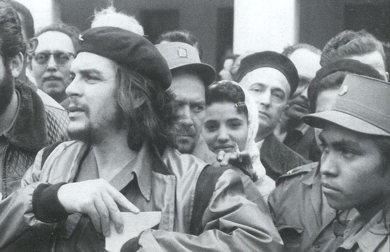 """Ernesto """"Che"""" Guevara: constructor del socialismo en todos los terrenos de la lucha"""