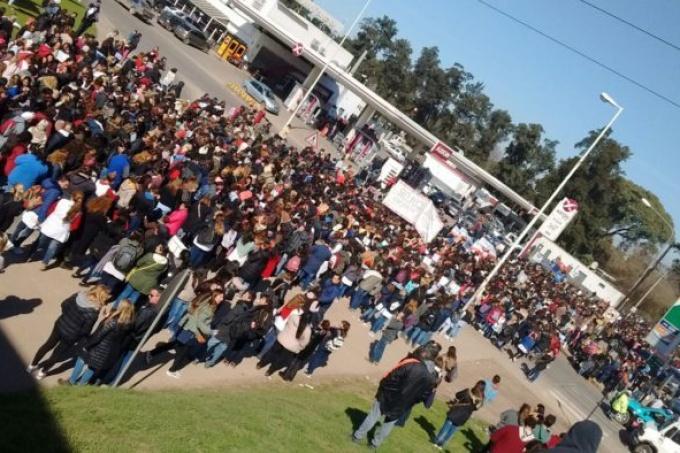 Moreno: la necesidad del pueblo por un lado y el Estado burgués por el otro