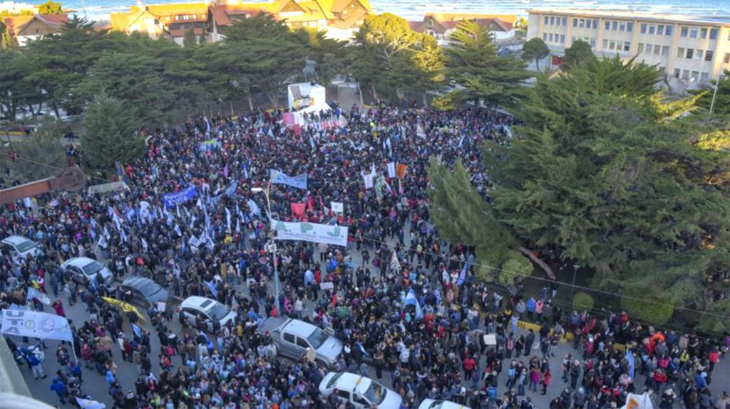Chubut: dolor, indignación y rebeldía