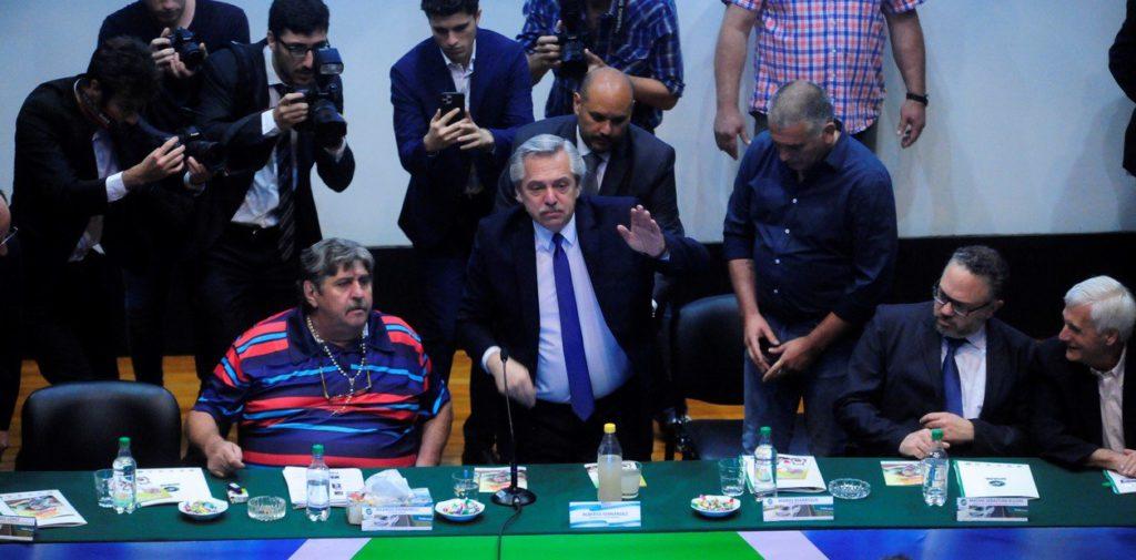 «Compromiso argentino por el desarrollo y la solidaridad»: una mesa de malandras pergeñando un repugnante engaño al pueblo