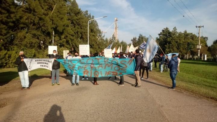 Obreros de Algodonera Avellaneda del grupo Vicentin vuelven al paro