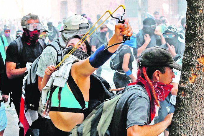 """Chile: no votar """"apruebo"""" ¿es votar por la derecha? (la ilusión de la democracia representativa)"""